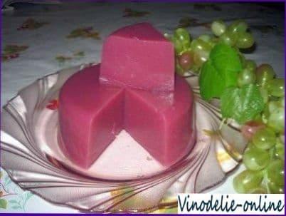 Пеламуши (десертное блюдо из виноградного сока)